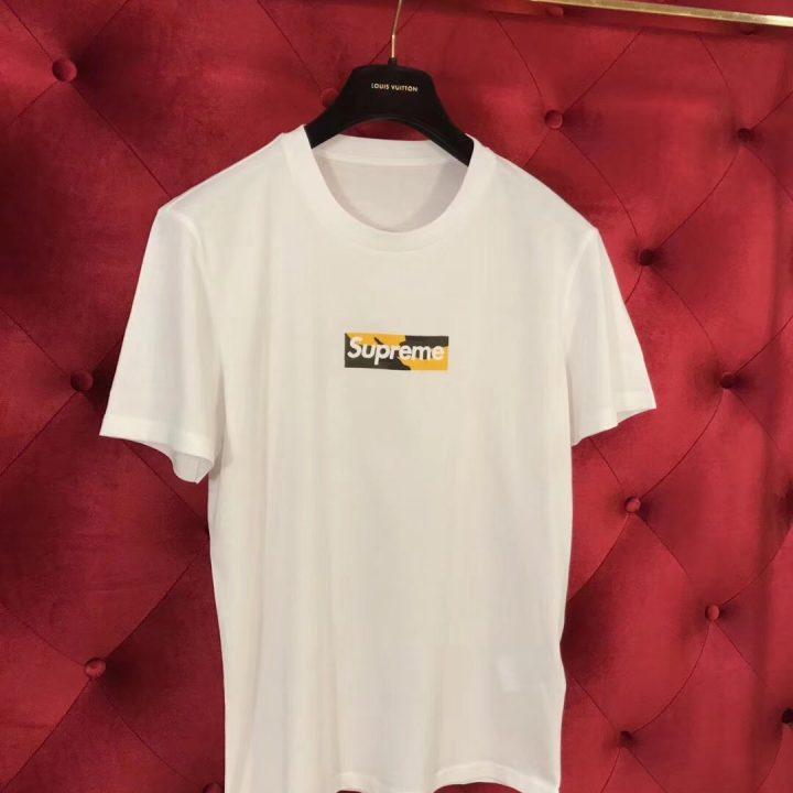 Camiseta LV x calzetonia supreme